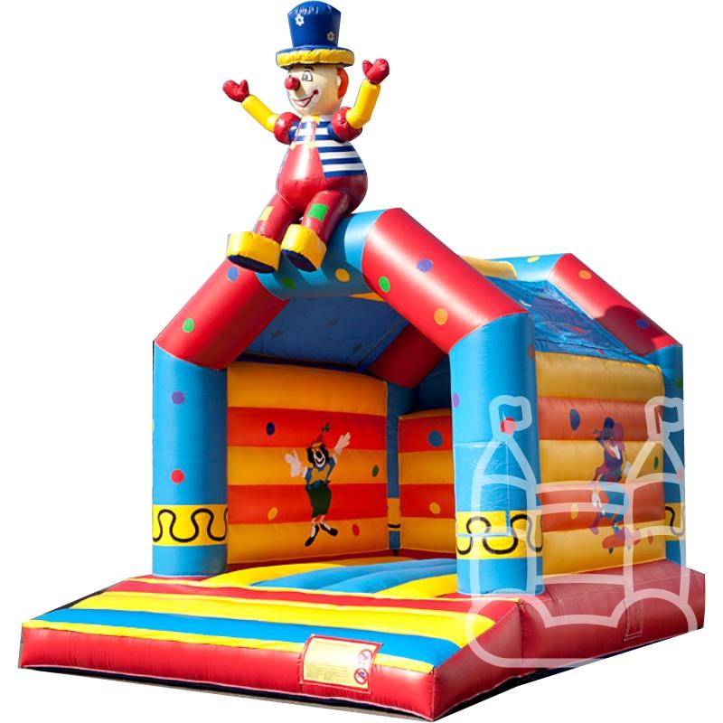 springkussen-clown-op-dak